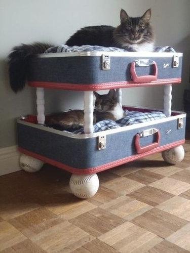 猫の家具08