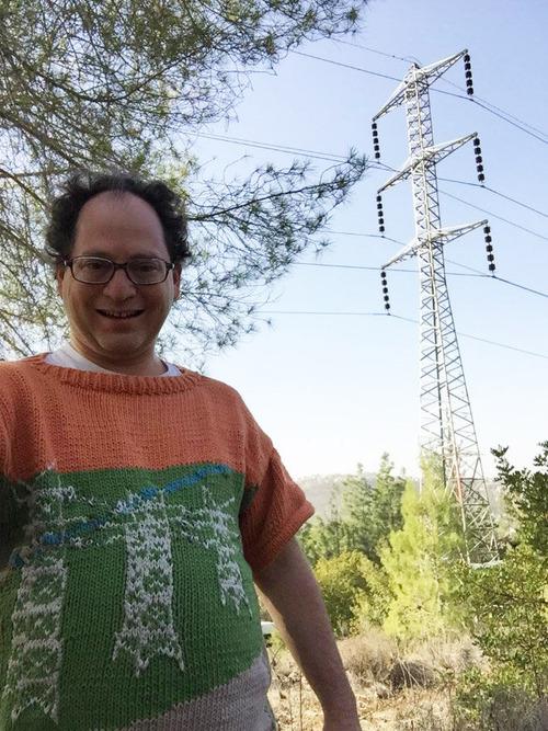 旅行先の景色を編んだセーター06
