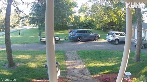 時速100kmでタイヤが家の玄関に衝突02