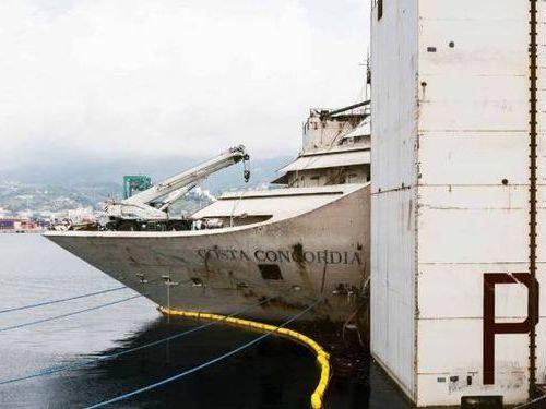 イタリア客船の座礁事故00