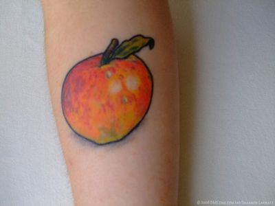 appleロゴのタトゥー13
