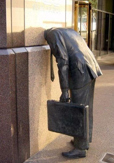 30.Suicidal working man(失望するサラリーマン)