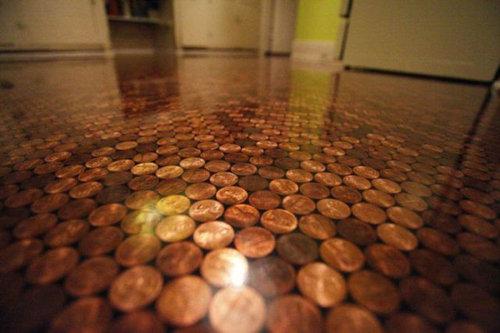 1セント硬貨を床に敷いた家11