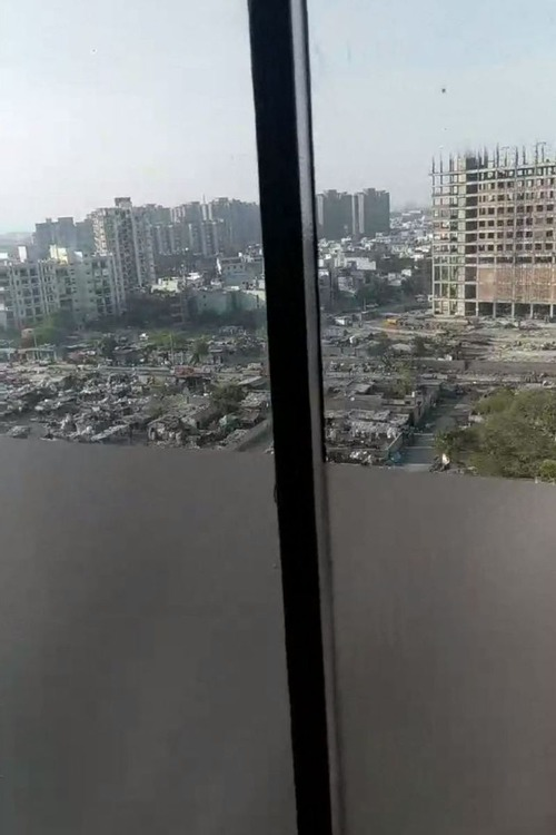 インドのホテルの窓04