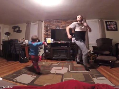 世界一キュートな父と息子のダンス01