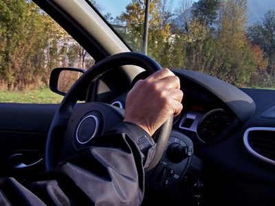 男女でこう違う、車を運転していて迷子になったとき