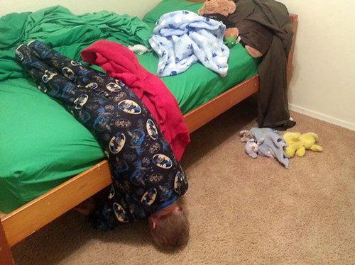 子供たちはどこでも眠れる07