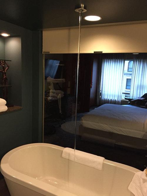 天井からお風呂の水03