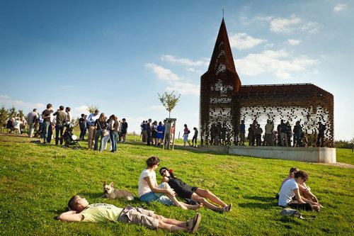 ベルギーの透ける教会08