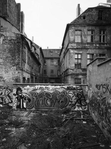 東ドイツの10年の変化09