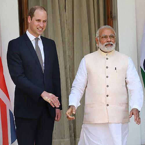 インド首相とイギリスのウィリアム王子が握手01