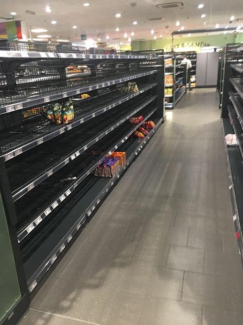 ドイツのスーパーの人種差別アピール01