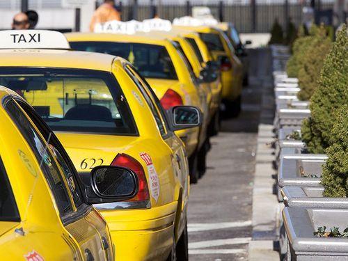 見覚えのあるタクシードライバー00