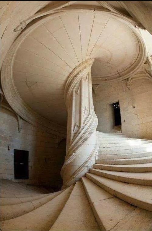 レオナルド・ダ、ヴィンチが作った階段01