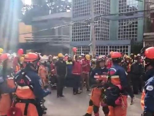 メキシコで日本の救助隊が派遣00