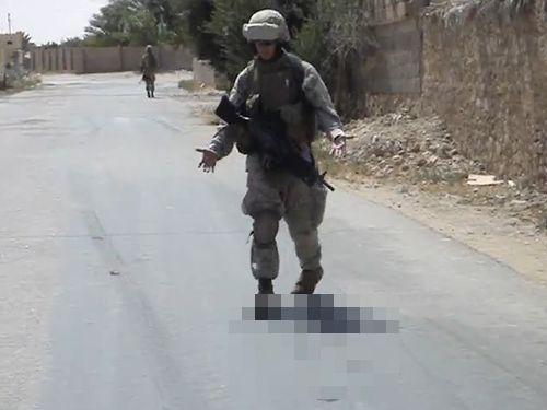 暑さで兵士の靴が…