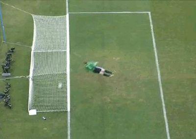 イングランド-ドイツ戦の誤審ゴール04