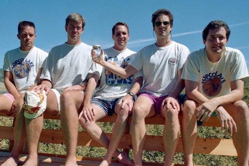 5人組が5年ごとに30年同じ写真04