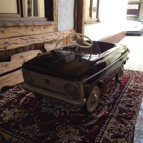 ソ連時代の子ども用のペダル車をレストア18