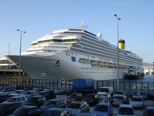 イタリア客船の座礁事故21