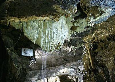 ホワイト・スカー洞窟02
