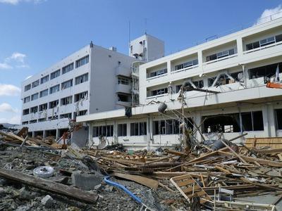 病院(4階まで浸水)