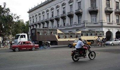 キューバのらくだバス09