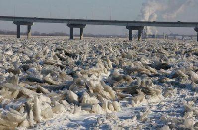 凍りついたミシシッピ川01