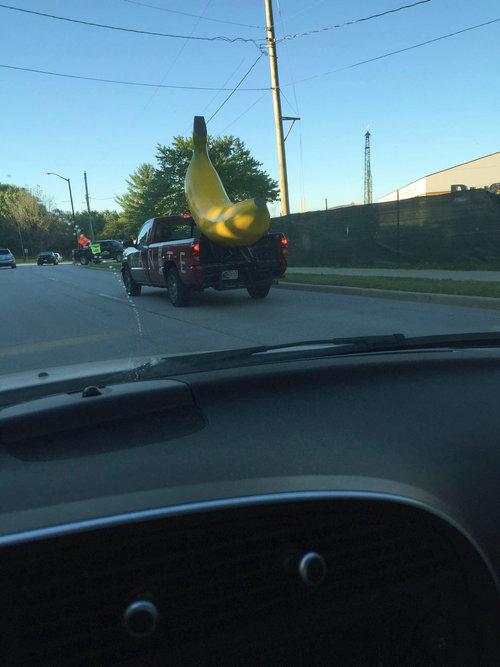 バナナに比べて小さなトラック01