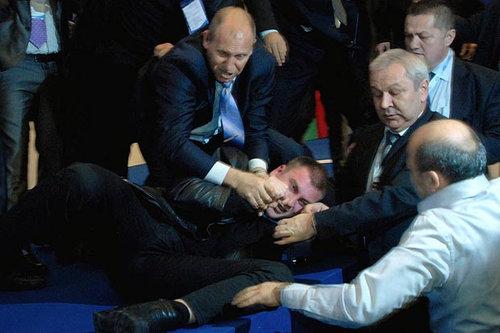 ブルガリアの議員が暗殺未遂05