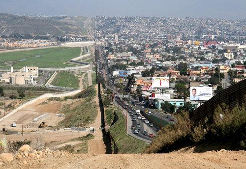 アメリカとメキシコの国境線01