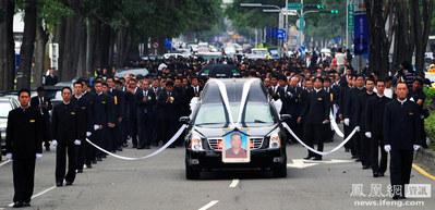 台湾マフィアの葬儀05