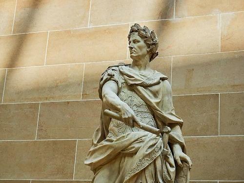 ローマ帝国の初代皇帝カエサルが今45歳として存在したら00