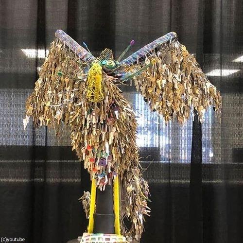 失われた住宅の鍵を集めて「不死鳥」を作る02