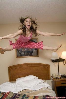 ベッドの上の少女たち10
