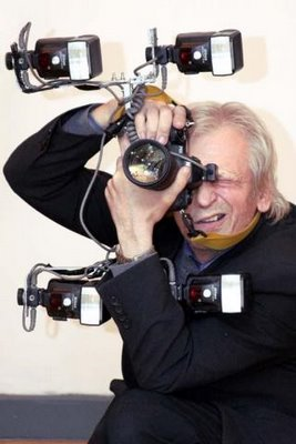 写真を撮られるカメラマン006