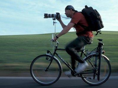 写真を撮られるカメラマン020