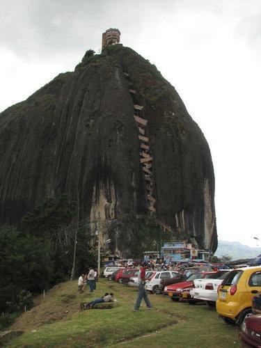 巨岩「ラ・ピエドラ・デル・ペニョール」16