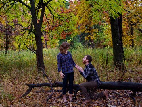 森の中で自動撮影にしてプロポーズ03
