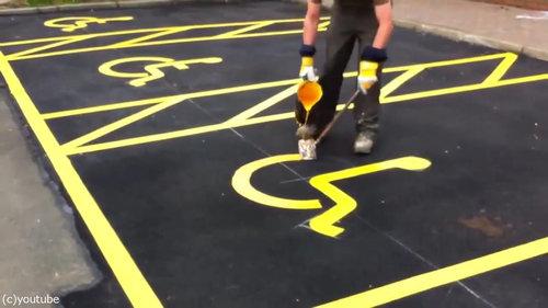 駐車場のペイントを一発書き04