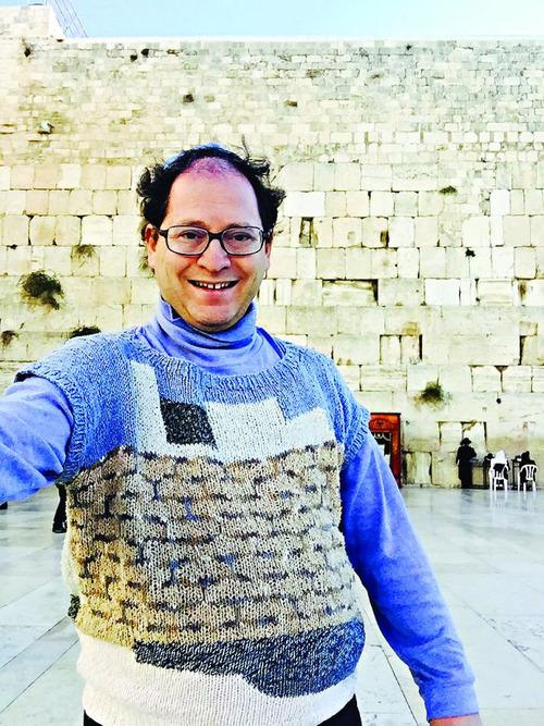 旅行先の景色を編んだセーター09