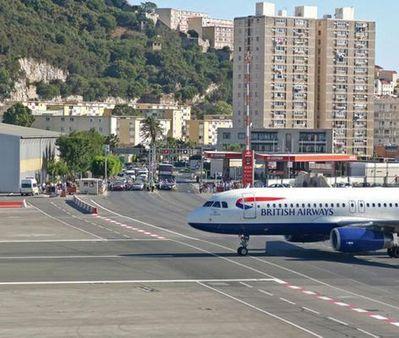 ジブラルタル空港03
