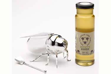 Bee-back2
