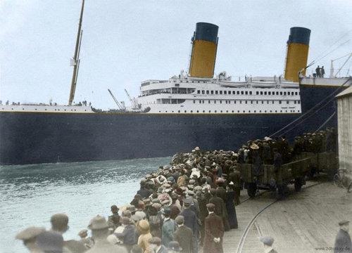 現代の豪華客船とタイタニックを比較05