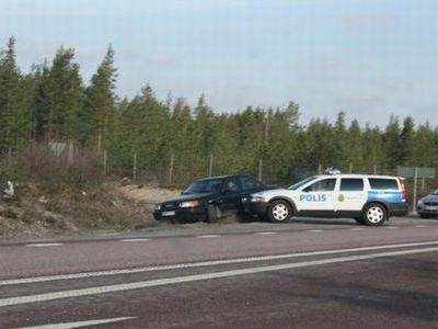 スウェーデン警察の荒っぽいカーチェイス01