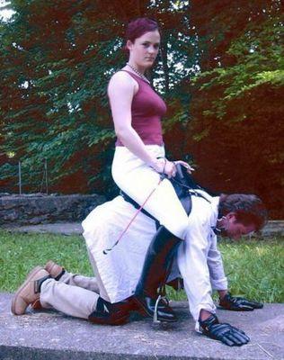 男を馬乗りにした女たち07