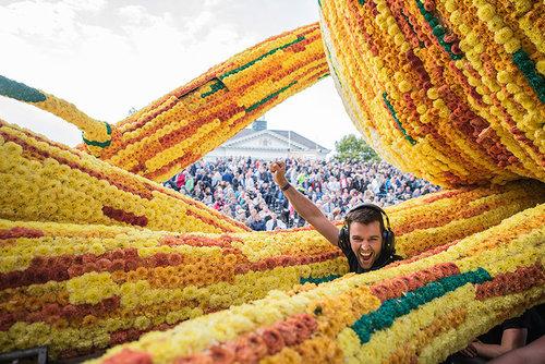 オランダのフラワーパレードとゴッホ03