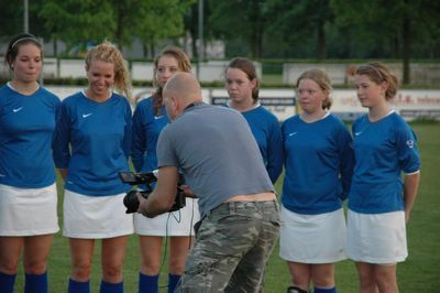 ミニスカート採用で人気沸騰…オランダの女子サッカー08