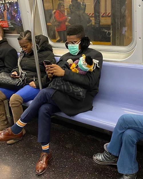 ニューヨーク地下鉄のマスク02