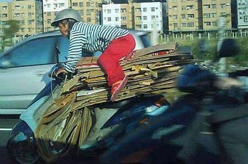 バイクで物を運ぶ限界24